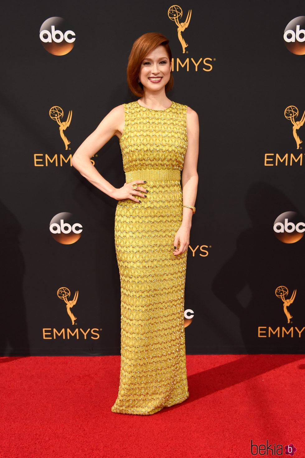 Ellie Kemper en la alfombra roja de los Premios Emmy 2016