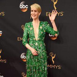 Sarah Paulson en la alfombra roja de los Premios Emmy 2016