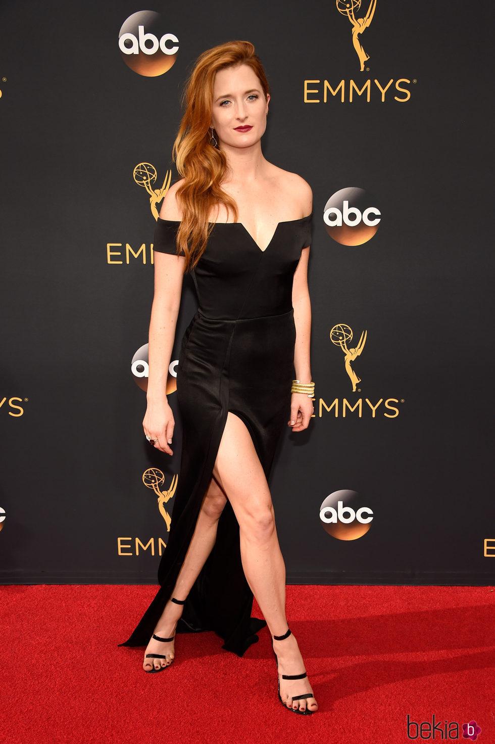 Grace Gummer en la alfombra roja de los Premios Emmy 2016