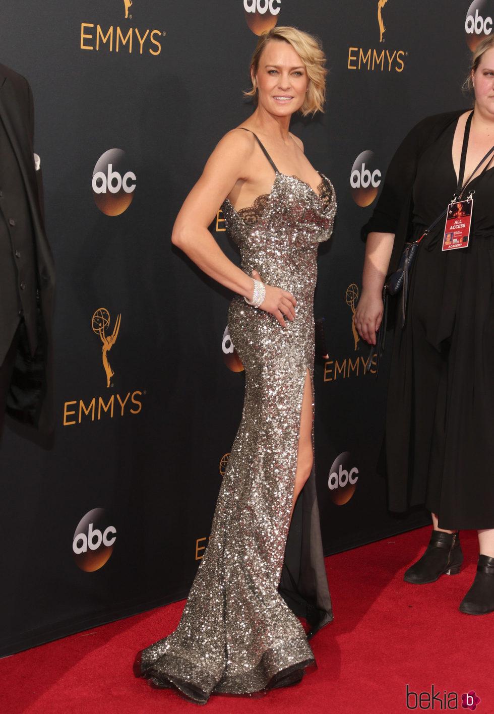 Robin Wright en la alfombra roja de los Premios Emmy 2016
