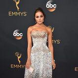 Olivia Culpo en la alfombra roja de los Premios Emmy 2016