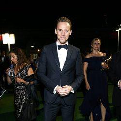 Tom Hiddelston en la fiesta celebrada tras los Premios Emmy 2016