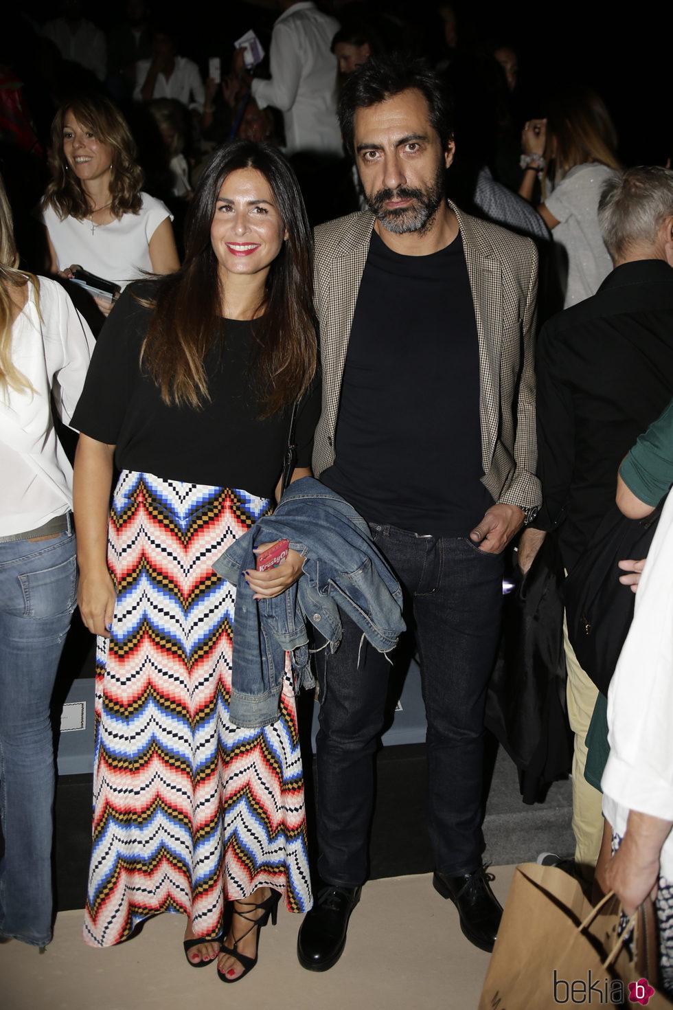 Nuria Roca y Juan Val en el desfile de Jorge Vázquez colección primavera/verano 2017 en la Madrid Fashion Week