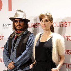 Angelina Jolie y Johnny Deep en la premier de 'The tourist'