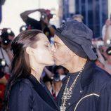 Angelina Jolie y Billy Bob Thornton besándose en una Premiere