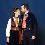 Marta Luisa de Noruega y Ari Behn con el traje típico noruego