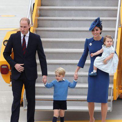 Los Duques de Cambridge y sus hijos a su llegada a Canadá