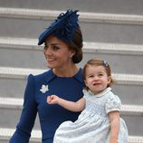 Kate Middleton y la Princesa Carlota, muy felices a su llegada a Canadá