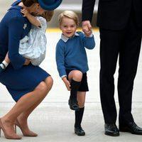 El Príncipe Jorge, muy sonriente a su llegada a Canadá para un viaje oficial