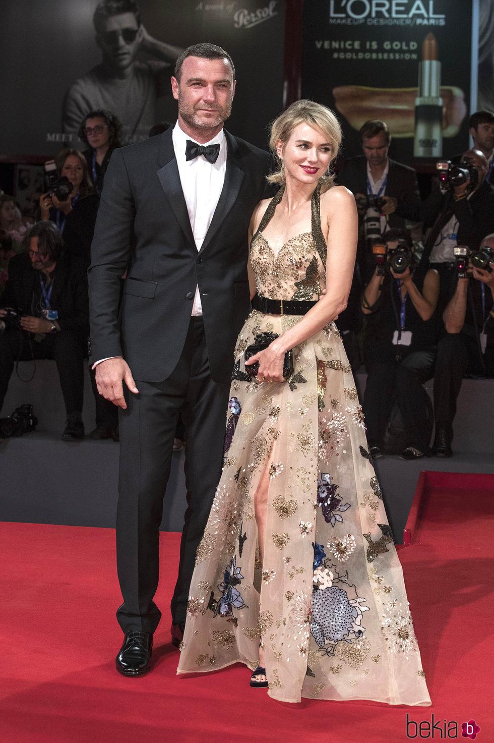 Naomi Watts y Liev Schreiber en el Festival de Cine de Venecia 2016