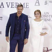 Leire Martínez y Jacobo Bustamante en el estreno de 'Un monstruo viene a verme'