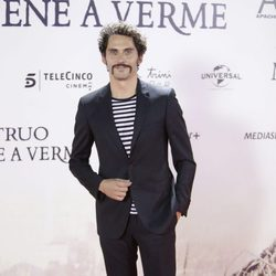 Paco León en el estreno de 'Un monstruo viene a verme'