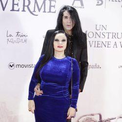Alaska y Mario Vaquerizo en el estreno de 'Un monstruo viene a verme'
