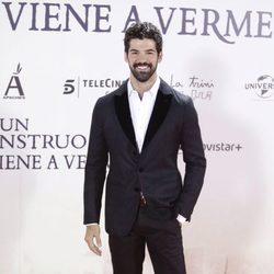Miguel Ángel Muñoz en el estreno de 'Un monstruo viene a verme'