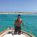 Benji Aparicio, novio de Laura Matamoros, con el torso desnudo