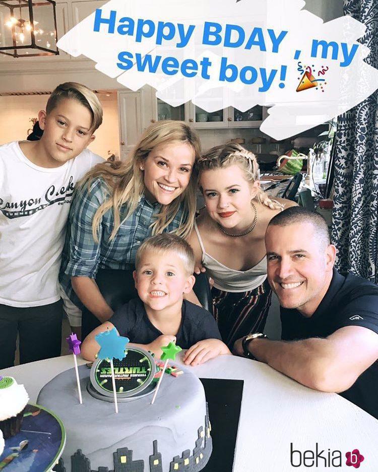 Reese Witherspoon celebra en familia el cumpleaños de su hijo Tennessee