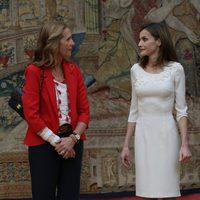 La Infanta Elena y la Reina Letizia en la audiencia a los medallistas olímpicos y paralímpicos de Rio 2016