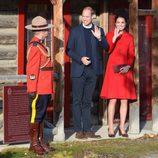 Los Duques de Cambridge muy sonrientes en Whitehorse durante su viaje oficial a Canadá