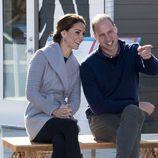 El Príncipe Guillermo y Kate Middleton en Carcross durante su viaje oficial a Canadá