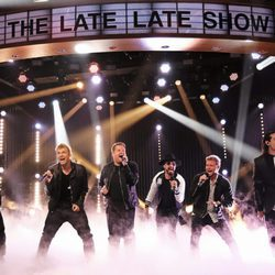 Backstreet Boys actúan con James Corden en 'The Late Late Show'