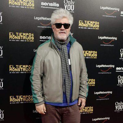 Pedro Almodóvar en el estreno de la película 'El tiempo de los monstruos'