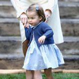La Princesa Carlota en un parque de Victoria durante su viaje oficial a Canadá