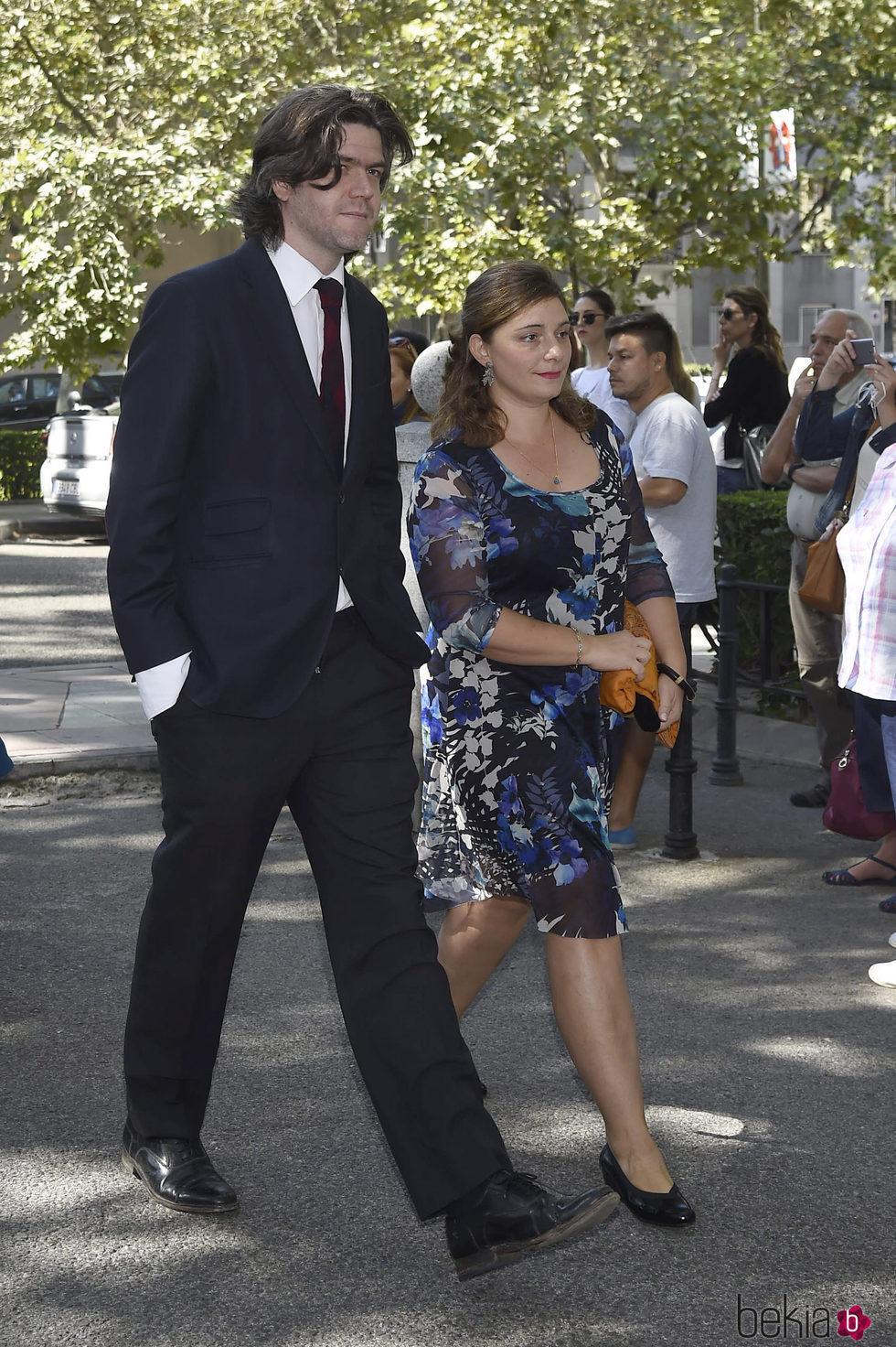 Jacobo Fitz James y Asela Pérez Becerril en la boda de Luis Martínez de Irujo y Adriana Martín
