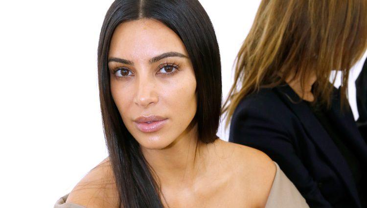 Kim Kardashian en el desfile de Balenciaga en la Paris Fashion Week