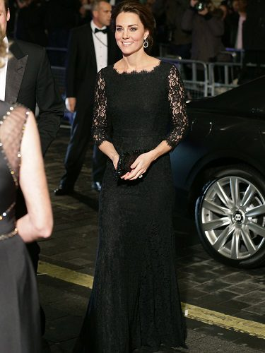 Kate Middleton con un vestido de DVF en la Royal Variety Performance de 2014