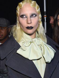 Lady Gaga con look de Marc Jacobs
