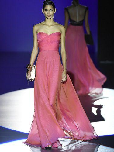 Su estilo es muy femenino, sensual y elegante