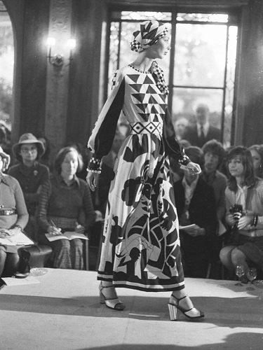 Vestido Kasmaninoff, 1973