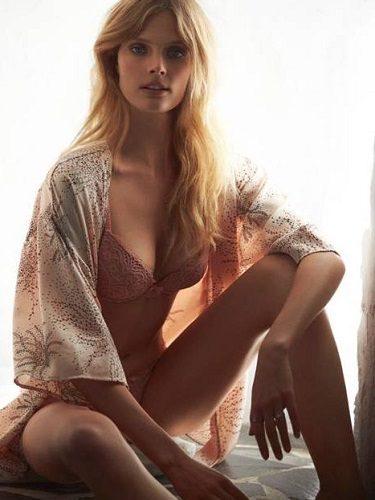Magdalena Franckovwiak posa con un conjunto lencero de Etam para ptimevera verano 2013