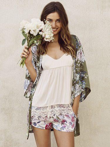 Pijamas para la temporada primavera/verano de 2016 con efecto floral