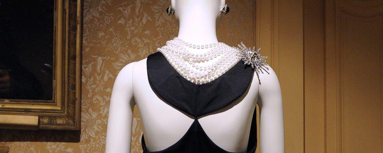 Icónico vestido de Audrey Hepburn en 'Desayuno con diamantes'