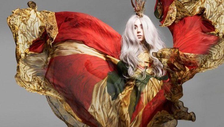 Lady Gaga para Alexander McQueen