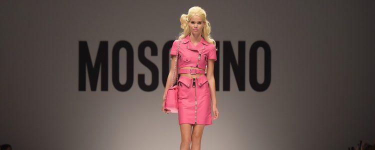 Barbie inspira la colección primavera/verano 2015 de Moschino