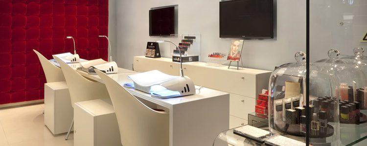 La firma de cosméticos Nails 4'Us tiene un modelo de negocio único, especializado en uñas de gel