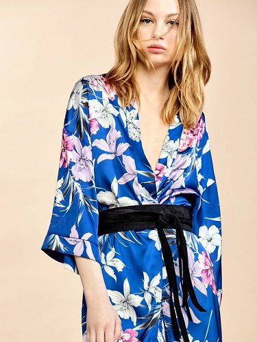Kimono estampado de la colección Tropical Forest para verano 2017
