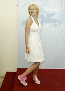 Scarlett Johansson calzando Converse